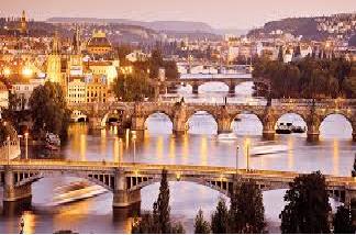 ΕΟΡΤΑΣΤΙΚΗ ΑΠΟΔΡΑΣΗ στην Πράγα (4ήμερο) από €435
